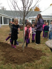 MES-Students-Help-Plant-Tree-3 (resized)